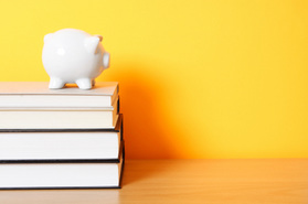New Law Forces Community College Professors to Disclose Textbook Costs