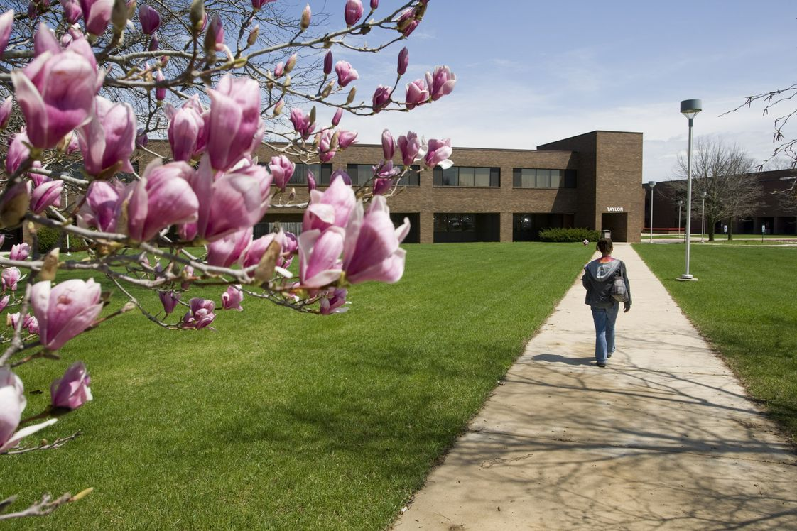 Spoon River College Photo #1 - Spoon River College is a two-year public community college in Illinois with campuses in Canton and Macomb, and attendance centers in Havana and Rushville.