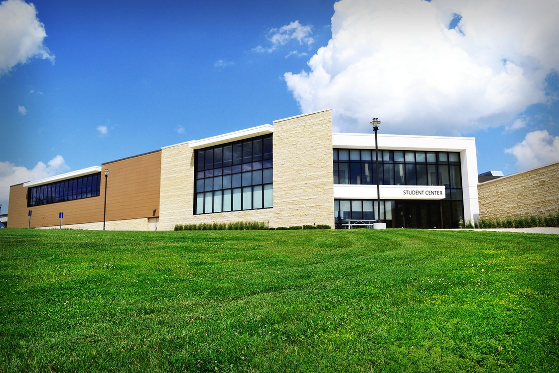 Northeast Iowa Community College: Calmar & Peosta Photo - Calmar Campus Student Center