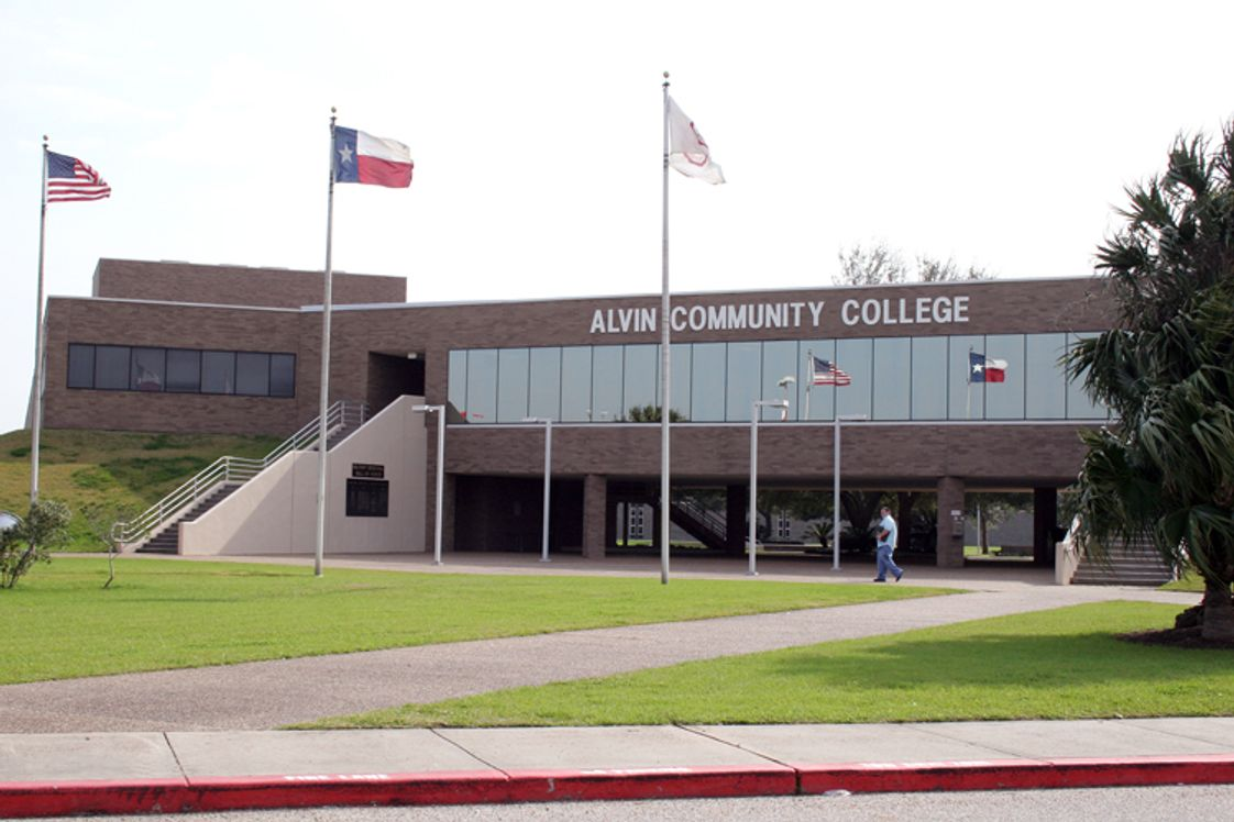 Alvin Community College Photo - With over 100 degrees and certificates to chose from, Alvin Community College is the right choice for you.